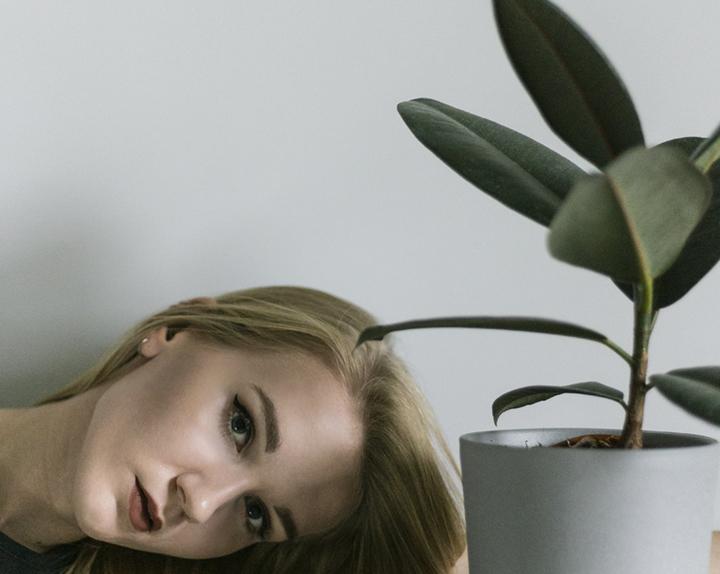 Rośliny są przyjaciółmi - seria autoportretów. Foto Justyna Grochowska
